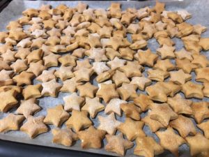 Delicious homemade treats for pets | Recipe at Fundraising Mums
